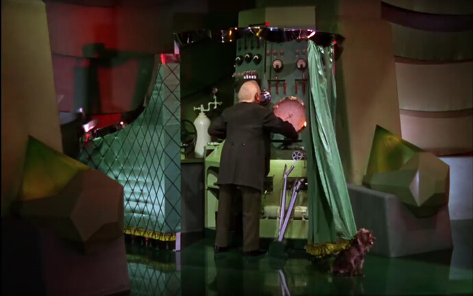 Wizard of Oz - Toto - Curtain.PNG